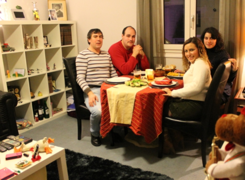 Qu familia cena italiana en casa - Cena con amigos en casa ...