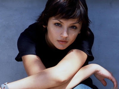 Rachael Leigh Cook Wallpaper