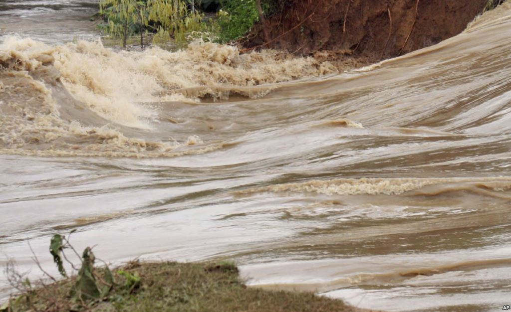 Chivi woman follows river naked after losing child while