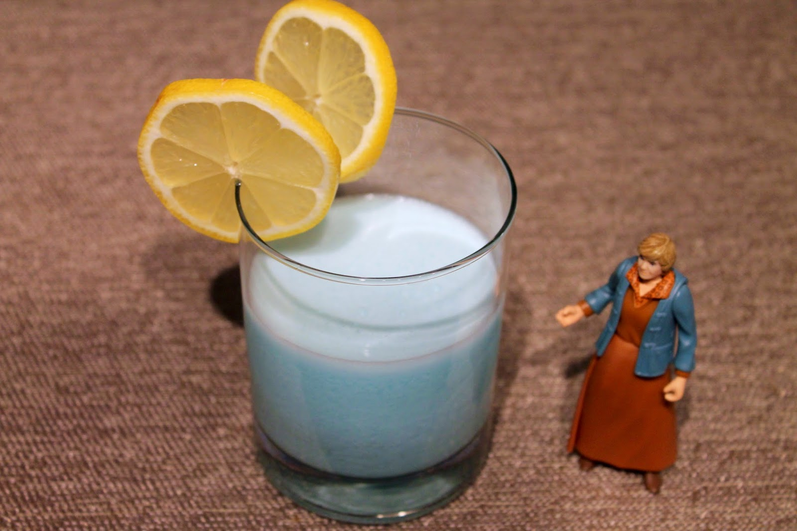Star Wars Cocktail: Aunt Beru's Blue Milk Brew
