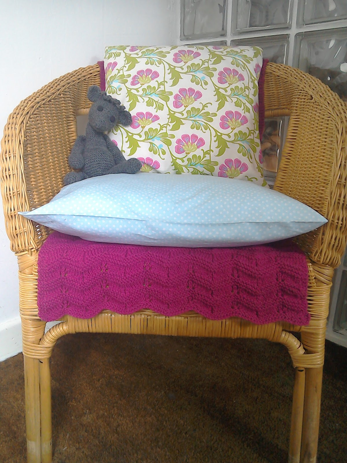 Simply Shabby Chic Chair Pads : simply in stitches: Shabby chic new look for old wicker chair