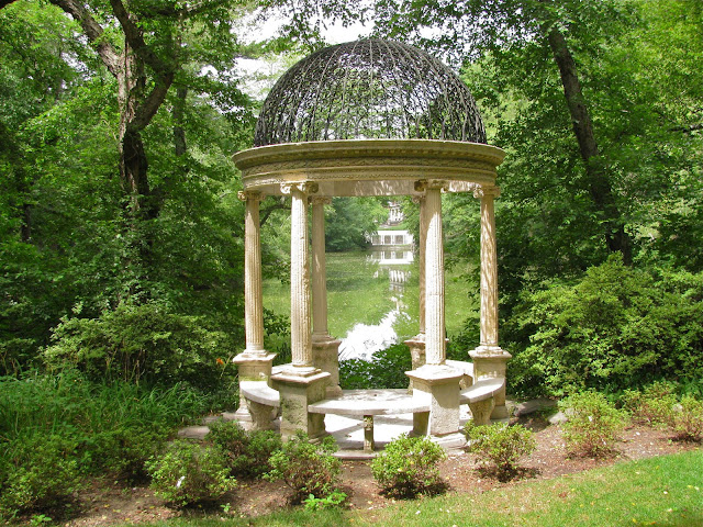 Summertime-2011-at-the-Temple-of-Love-Old-Westbury-Gardens
