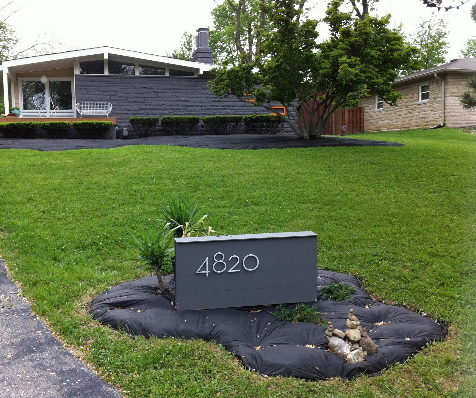 Mid century modern atomic indy mid century modern landscaping for Modern house landscaping
