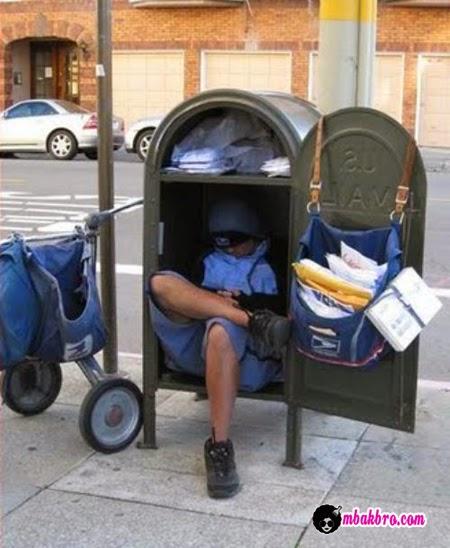 tukang pos malas