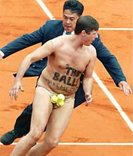 funny picture naked man on tennis court