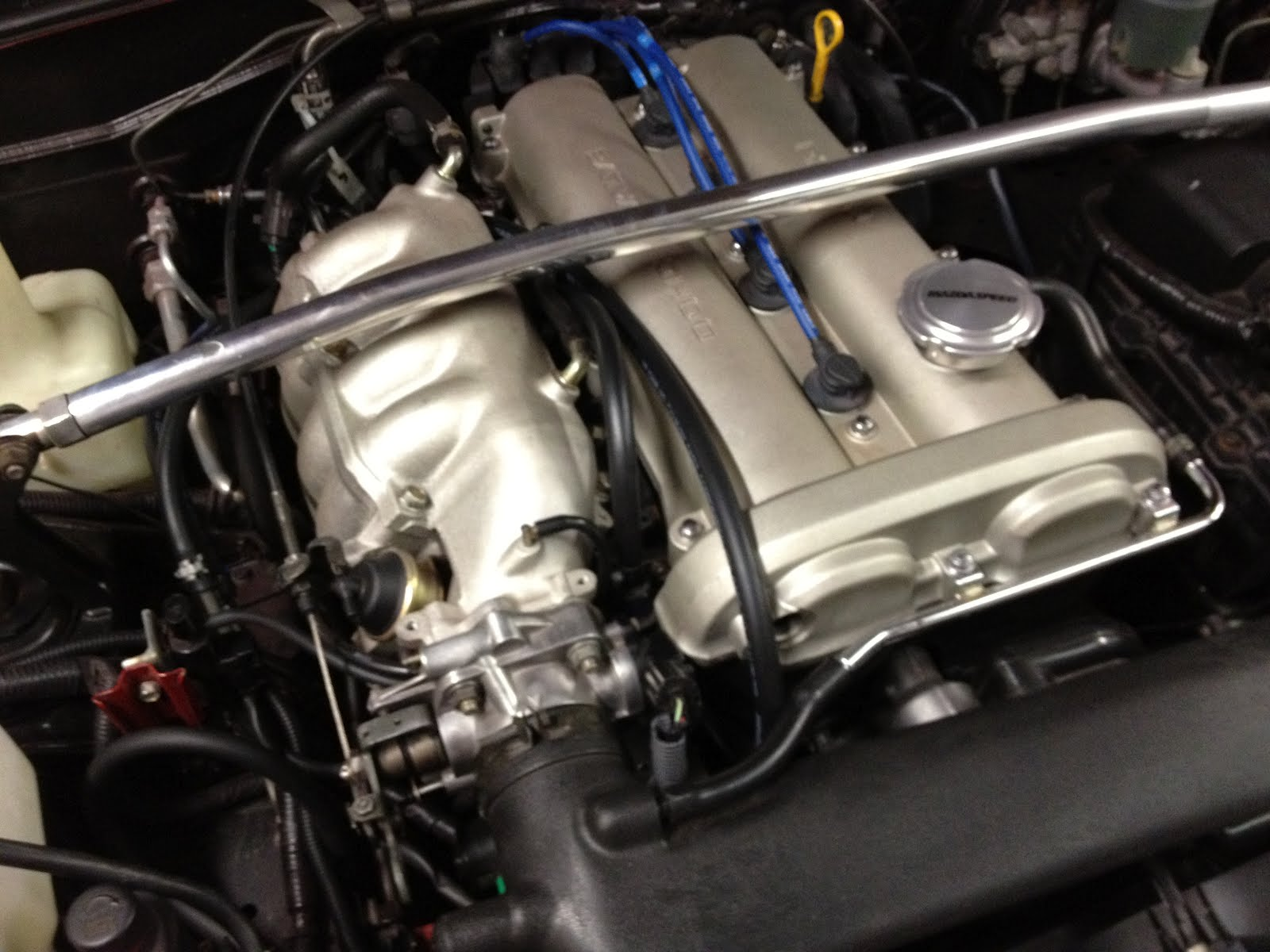 hose_route morrison's garage update to '99 miata head on '94 engine fuel