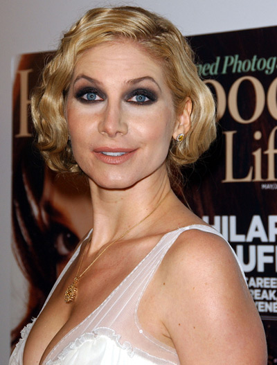 http://2.bp.blogspot.com/-kntYScmQpTk/TkX0iMfxWpI/AAAAAAAAAGY/aDi7u6-tSg0/s1600/elizabeth-mitchell-bad-makeup.jpg