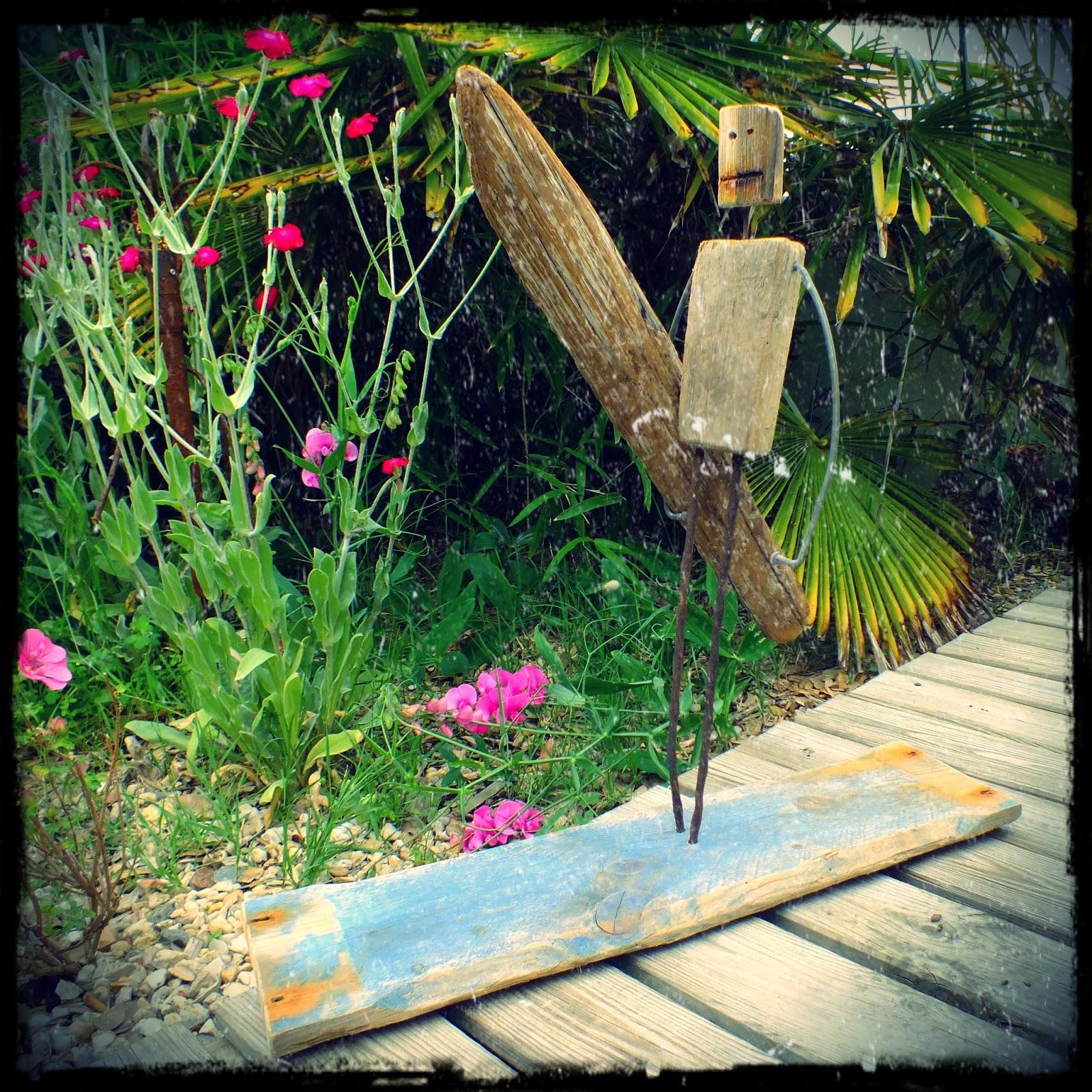 Mutoz inc art en bois flott joyeux anniversaire le for Statue en bois flotte