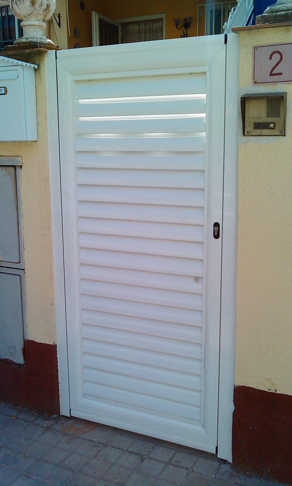 Aluminio y pvc en aranjuez y alrededores alumifrank fco molina vallas y puertas en - Puertas para vallas ...