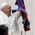 Francisco reza por San Lorenzo campeón
