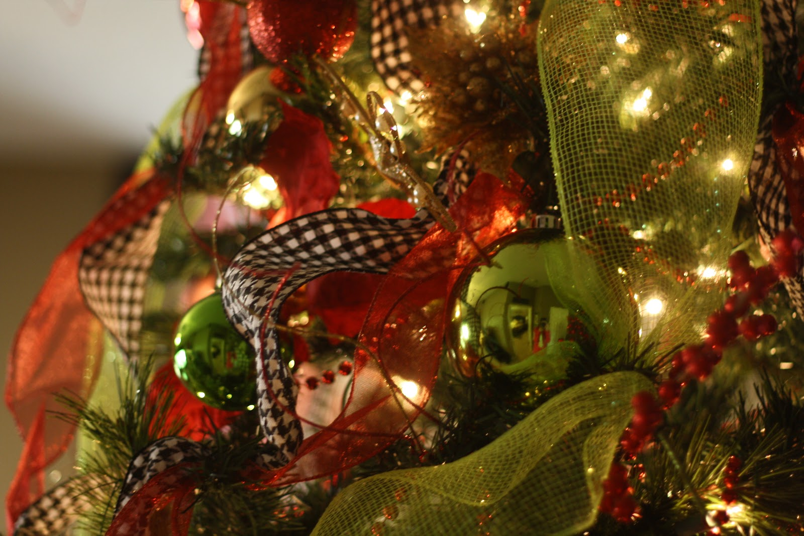 Hobby lobby glass ornaments - I Made My Topper A Little Simpler This Year And Just Did Red And Green Sprouts I Re Used The Red Sprouts And Added The Green Twirly Sprouts That I Got At