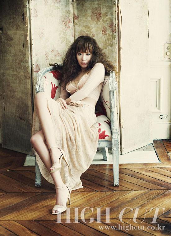 Kim Ah Joong with High Cut Korea L Amour de Paris
