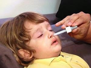 Criança d 2 anos passa 2 meses com bateria no nariz