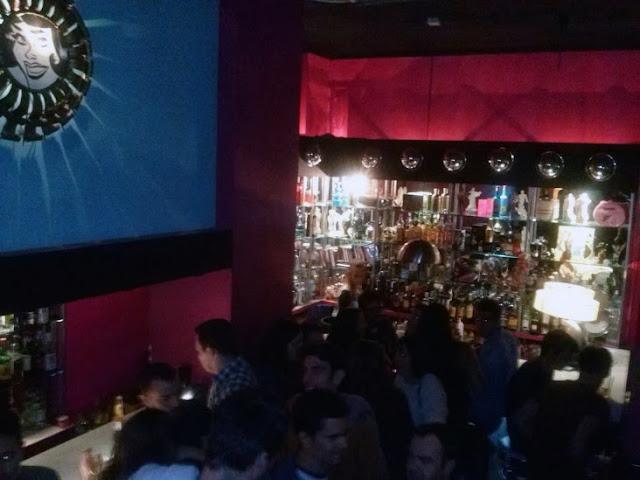 Barra principal de bar El Fabuloso - Tusolovivemadrid