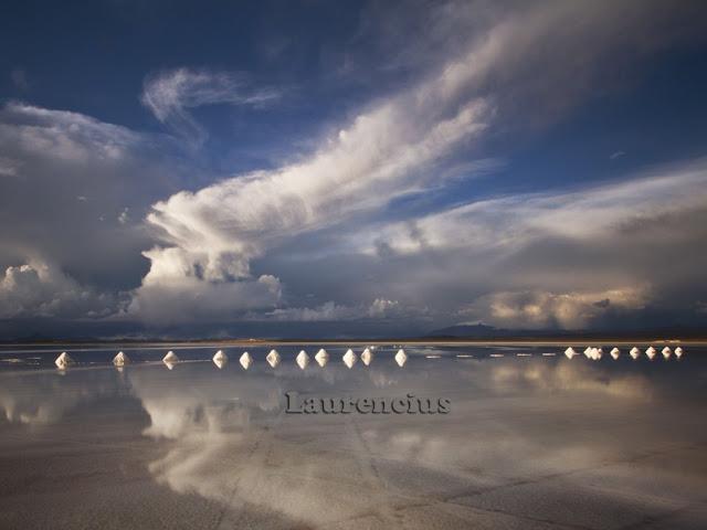 Foto-Salar-de-Uyuni-Cermin-Alam-Terbesar-Bolivia_10