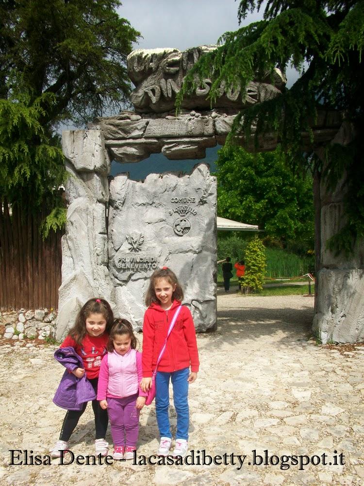 la città dei dinosauri a san lorenzello, pietraroja e ciro e un dolce preistorico