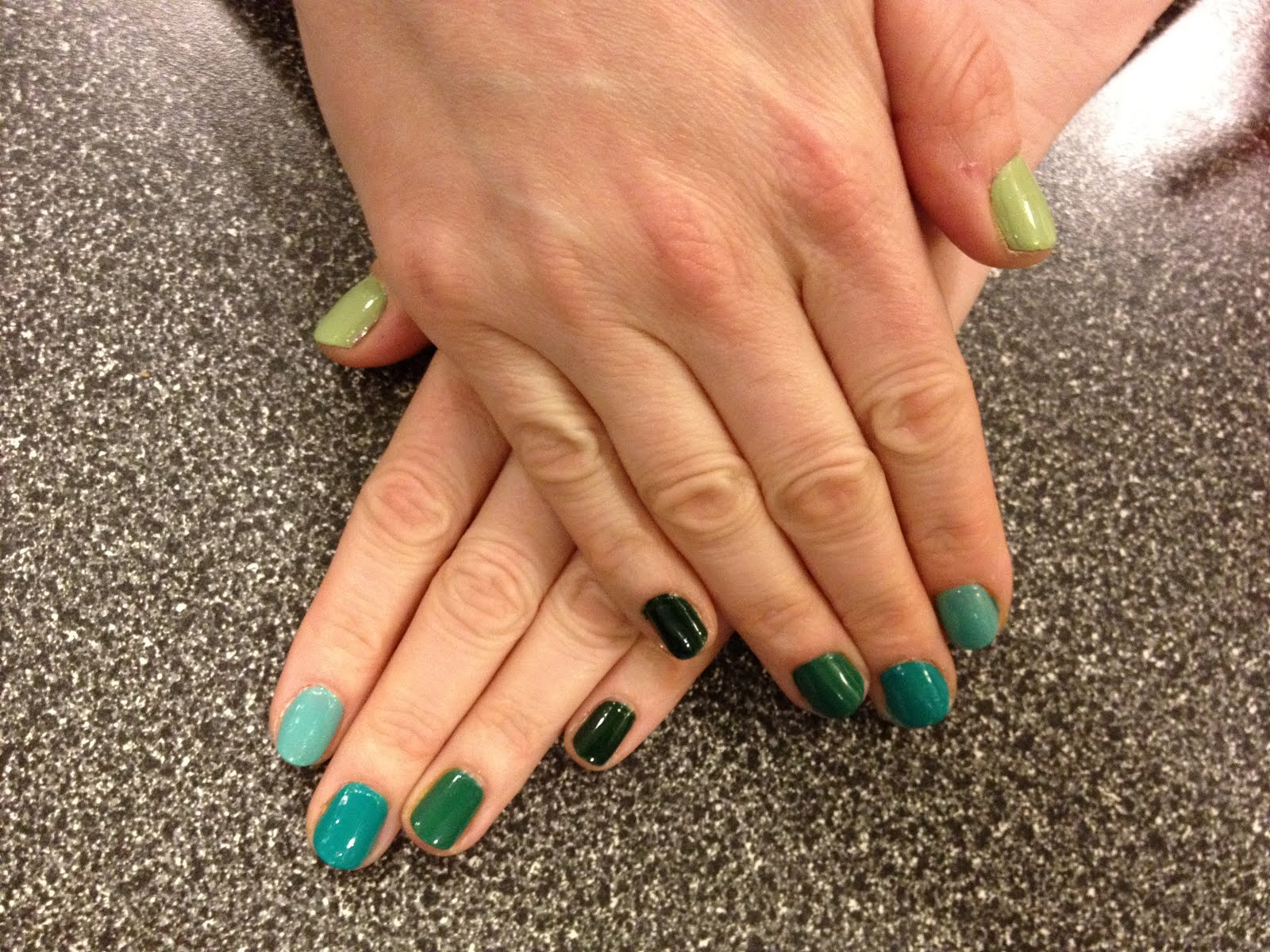 The Beauty of Life: Mani of the Week: Green Ombre Nails with Essie ...