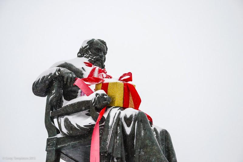 Portland, Maine Longfellow Square Henry Wadsworth Longfellow Statue photo by Corey Templeton