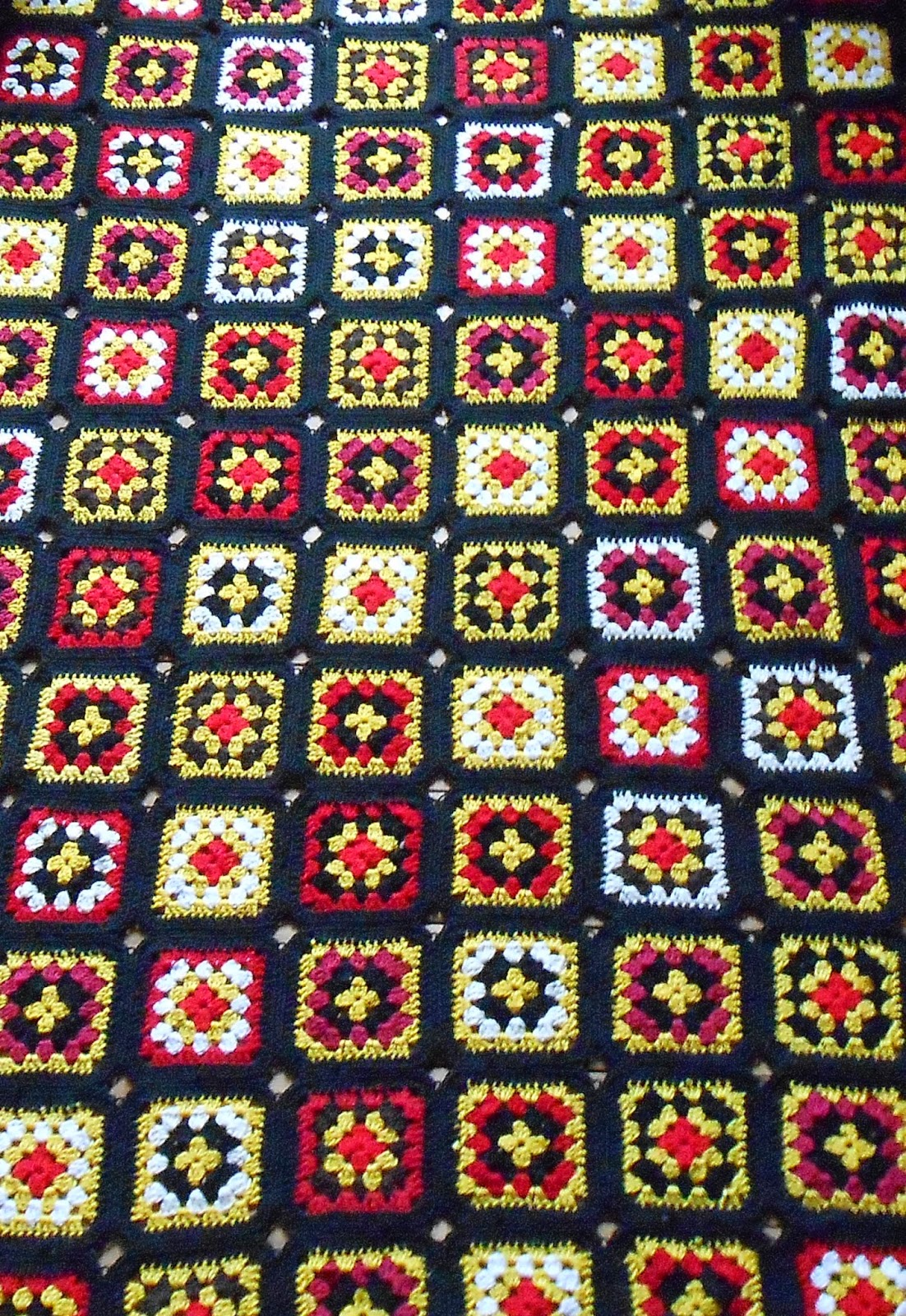 http://www.ravelry.com/projects/Aggai/granny-blanket-no-2
