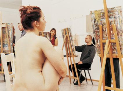 Vất vả tủi thân với nghề làm người mẫu nude 6