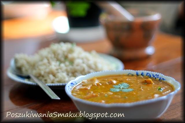pomidorowe curry z rybą i mlekiem kokosowym