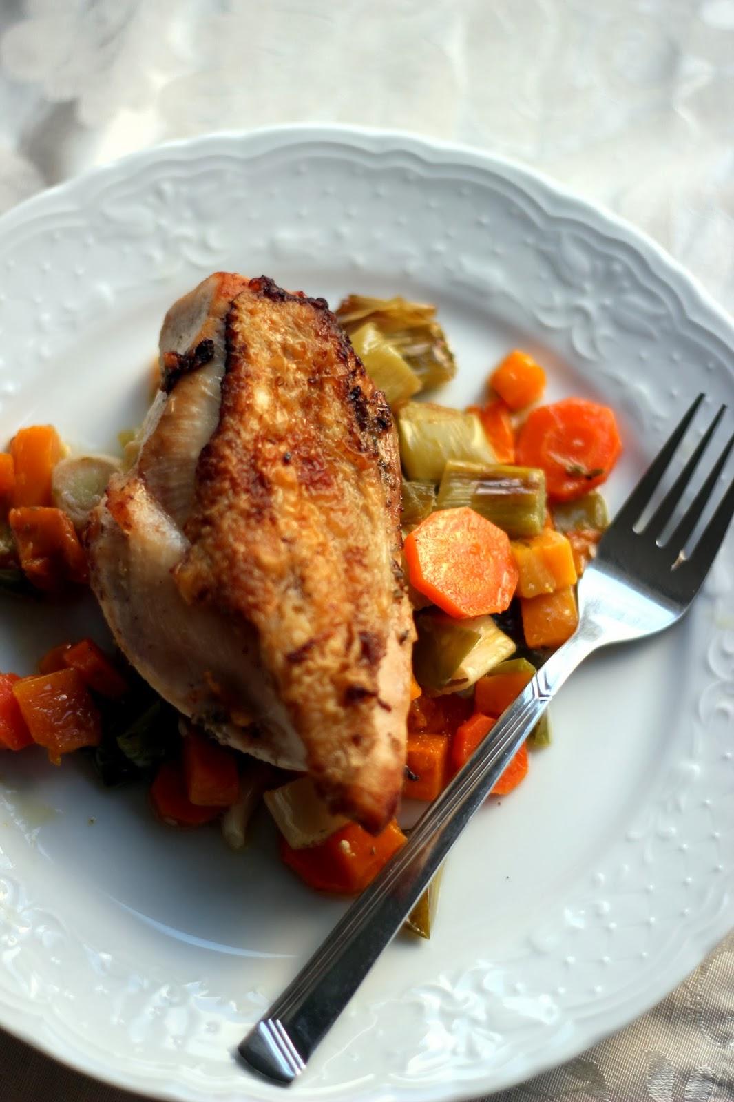 Roasted chicken and autumn vegetables / Kepta vištiena su rudens ...