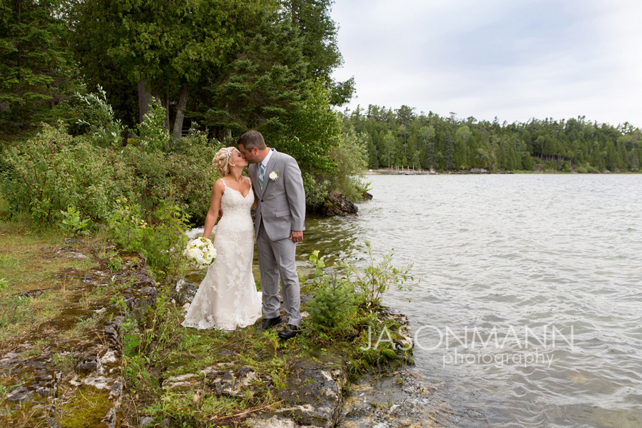 Door County summer wedding. Photo by Jason Mann Photography, 920-246-8106, www.jmannphoto.com