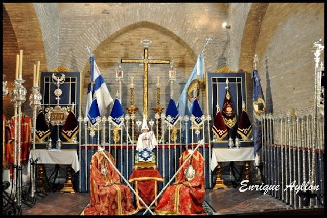 Altar de insignias Hermandad de La Resurrección Sevilla 2013