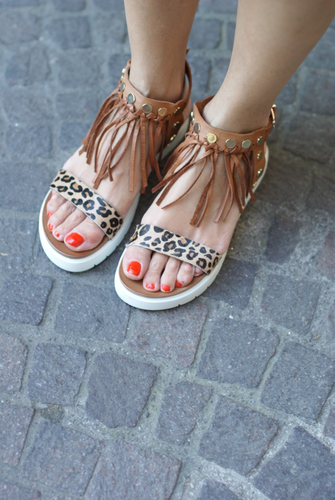inuovo sandals, inuovo fringes and leopard sandals on Fashion and Cookies fashion blog