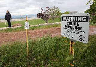 Sign: Warning! Crude Pipeline