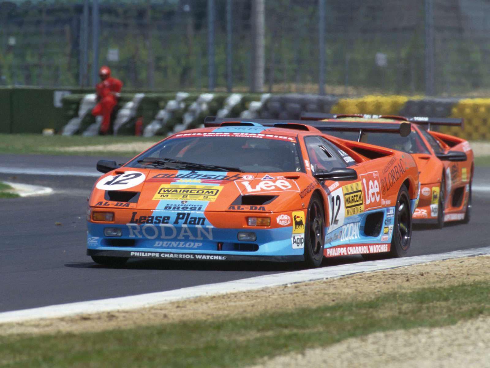 http://2.bp.blogspot.com/-kpn6rdbOMBI/Tktjwf-4A2I/AAAAAAAACnM/Kxl8PvBnumI/s1600/Lamborghini-Diablo_SVR_1996_1.jpg