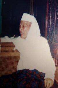 Mualif Sholawat Wahidiyah