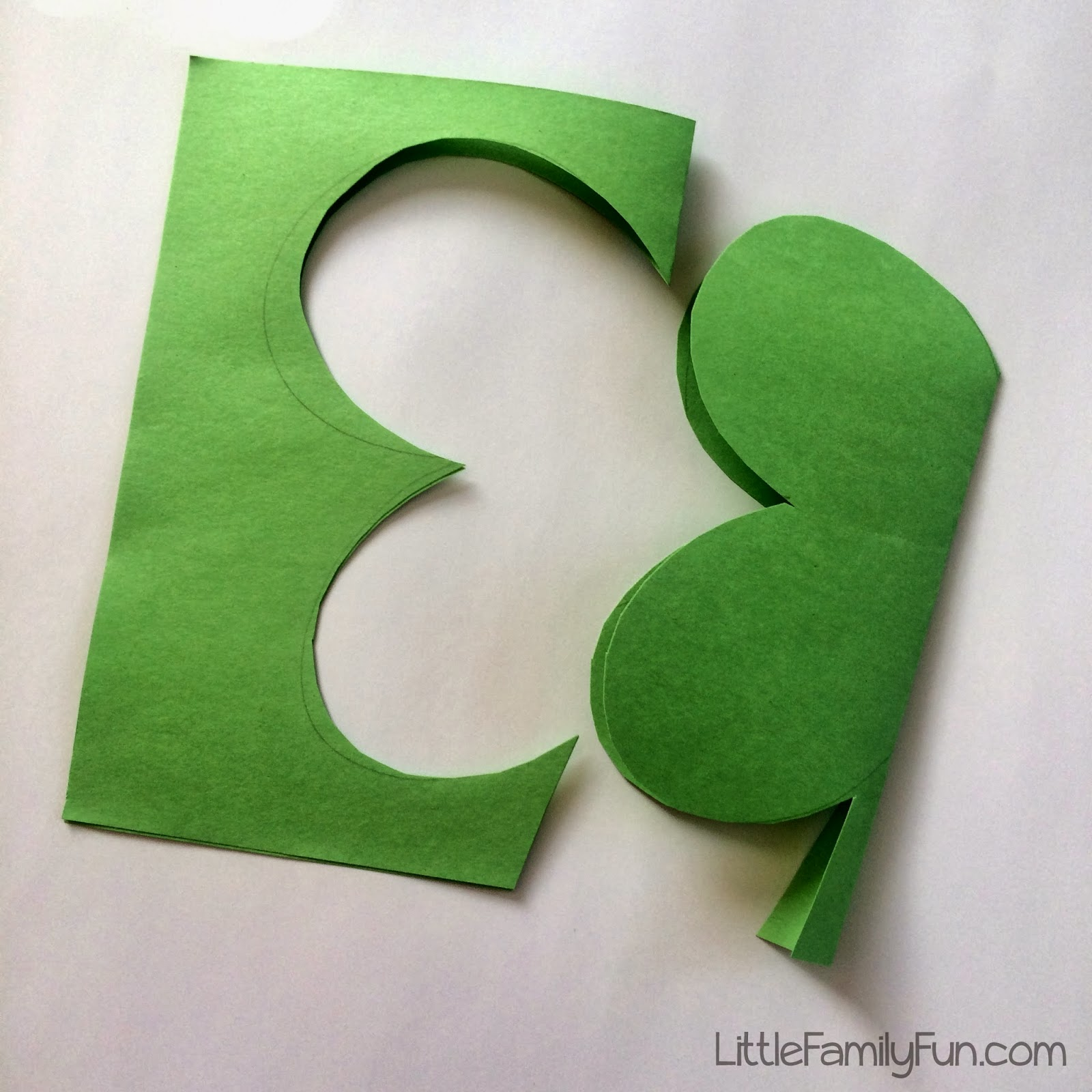 little family fun paper scrap clover craft