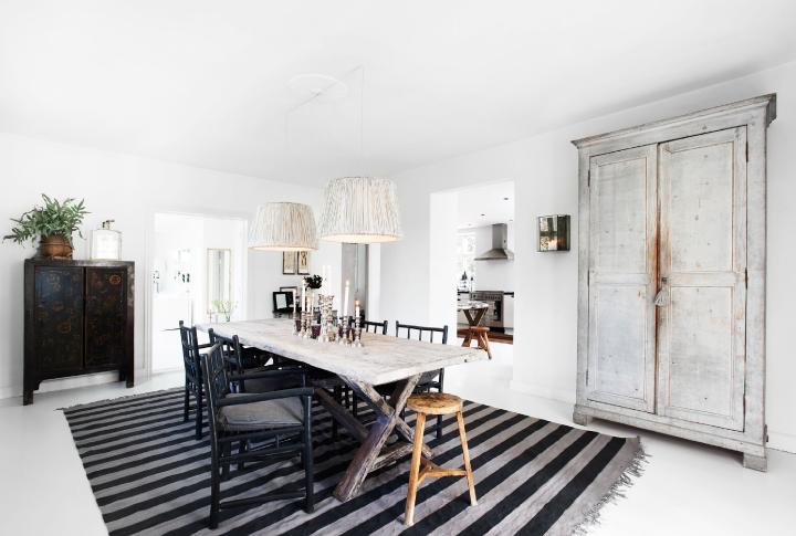 tine k a white carousel. Black Bedroom Furniture Sets. Home Design Ideas