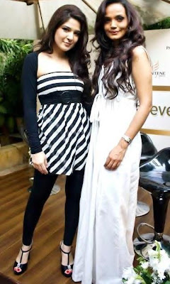 Ayesha Omar with Amina Sheikh In Pakistan Celebrities
