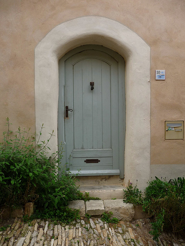 Love lilac front door dilemma - Farrow and ball france ...