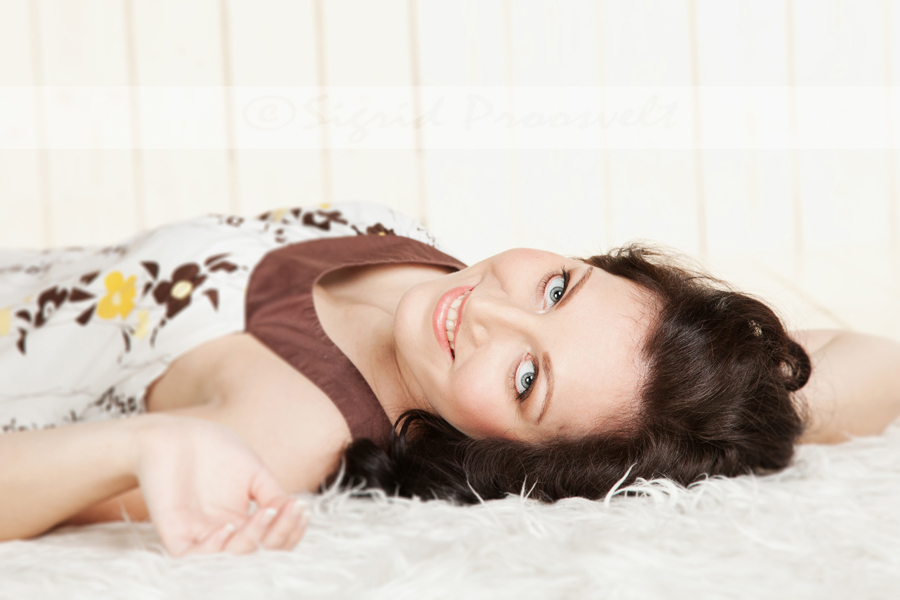 naine-fotostuudios-portreefoto
