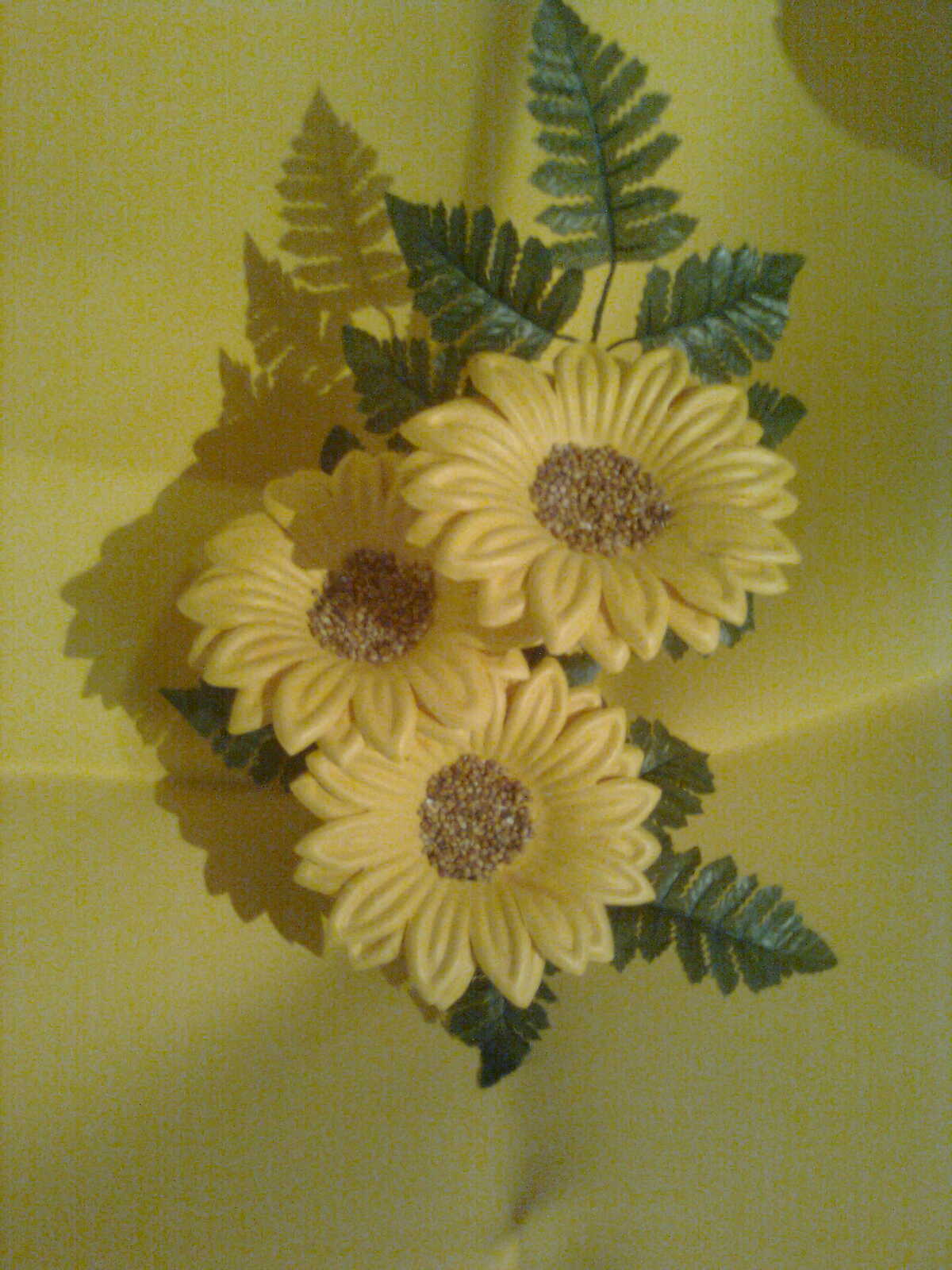 Arreglos florales de girasoles en foami - Imagui