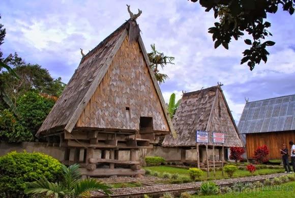rumah adat rumah tambi