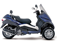 2013 Piaggio MP3 400 Scooter pictures - 3