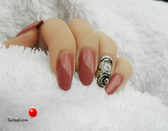 Manichiura de toamna cu sclipici autumn nails