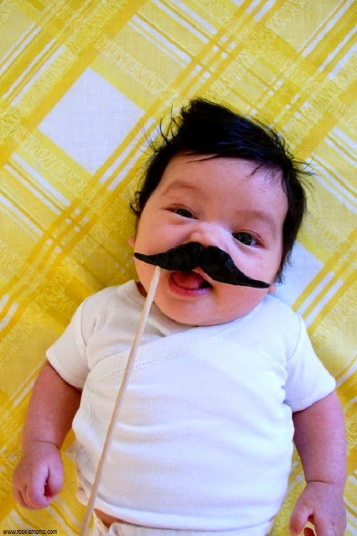 Photo bébé mignon moustache