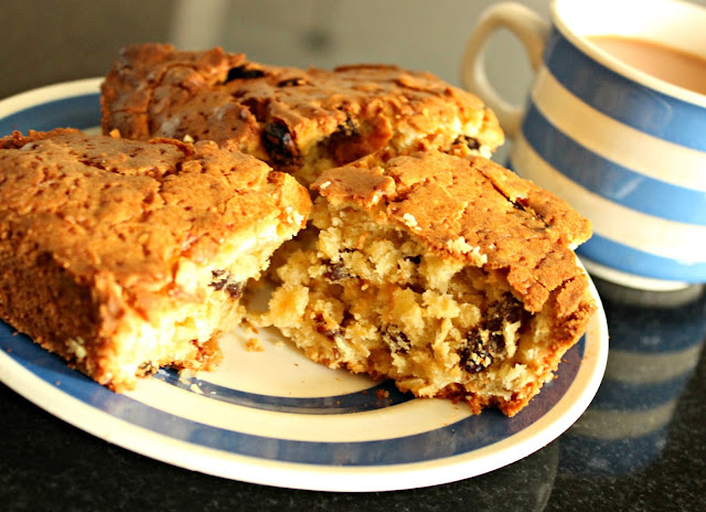 A picture of Almond and Raisin Tea Loaf