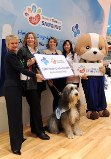 Crufts Samsung donation to Blue Cross