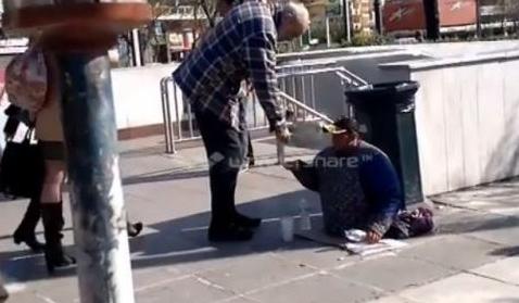«ΘΑΥΜΑ»: Ανάπηρος αλλοδαπός ζητιάνος έβγαλε πόδια και περπάτησε! [VIDEO]
