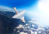 Paracaidista cruzando barrera del sonido