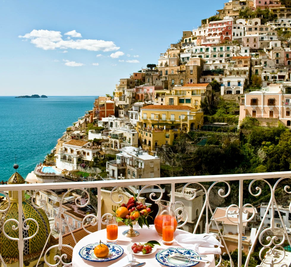 Perfect For A Honeymoon Or Getaway Le Sirenuse Is The Most Stunning Hotel In Positano