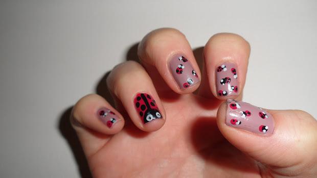nailificent ladybug nail art