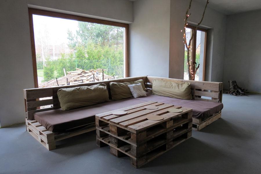 Isorecyclingart kanapa i st z palet dekoracje z drzew i - Fabriquer des meubles en palette ...