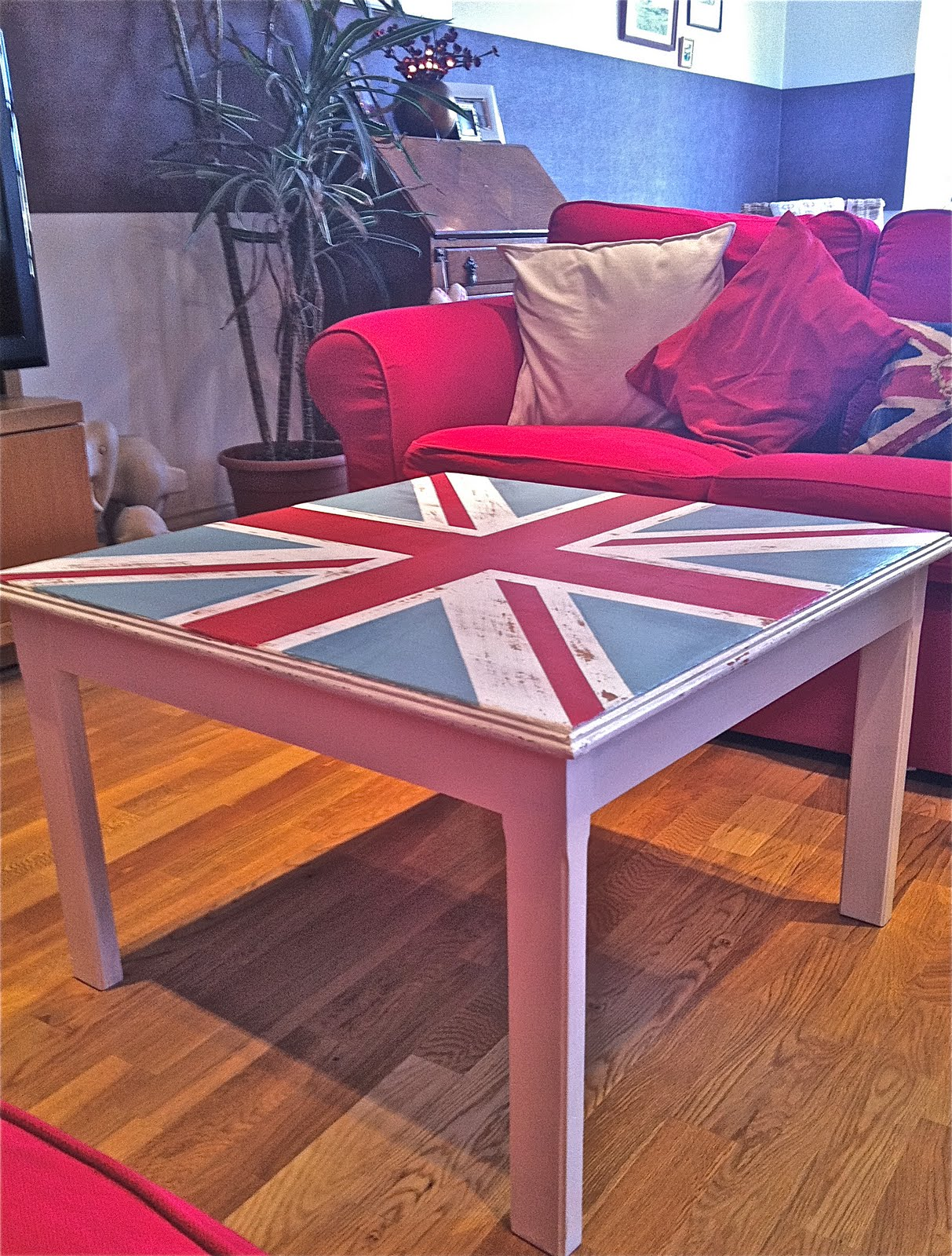 The union jack design coffee table for sale on ebay for Coffee tables on ebay